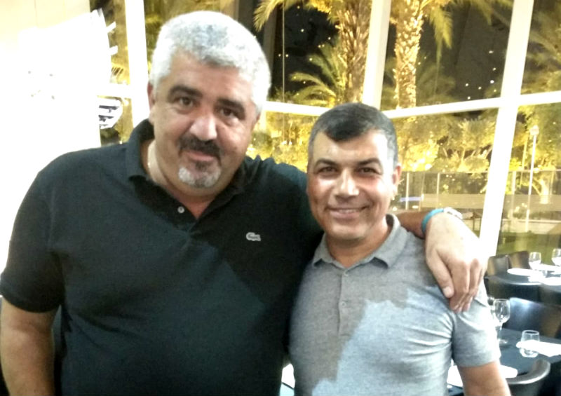 שלומי לחיאני עם ראש עיריית בת ים יוסי בכר (צילום: קרן יחזקאל)