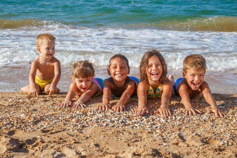 ילדים חוף ים