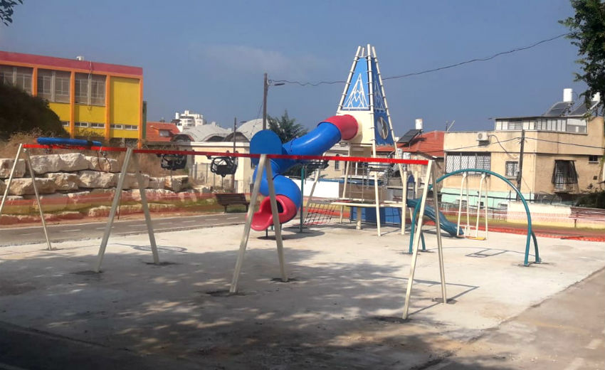 גן משחקים חדש שהוקם בשכונת עמידר בת ים