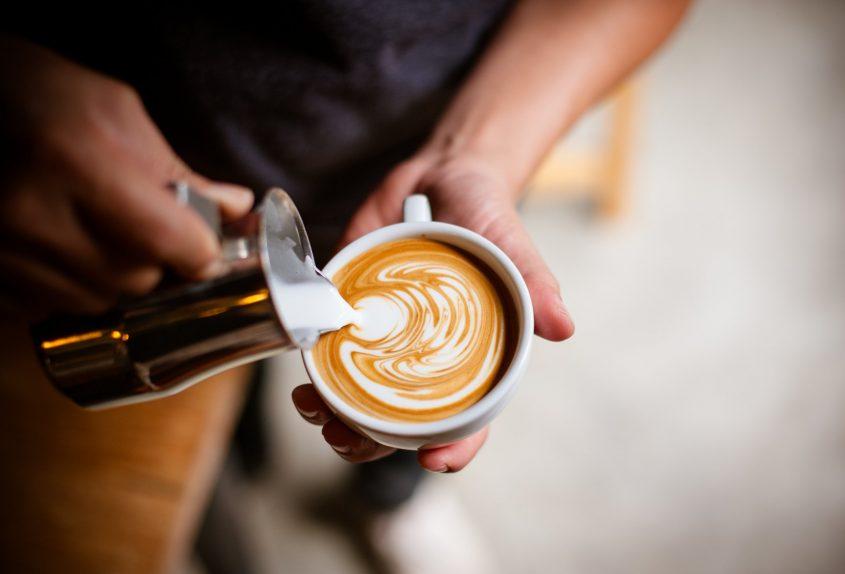 """משאל """"הקפה של בת ים (מאגר תמונות: Shutterstock)"""