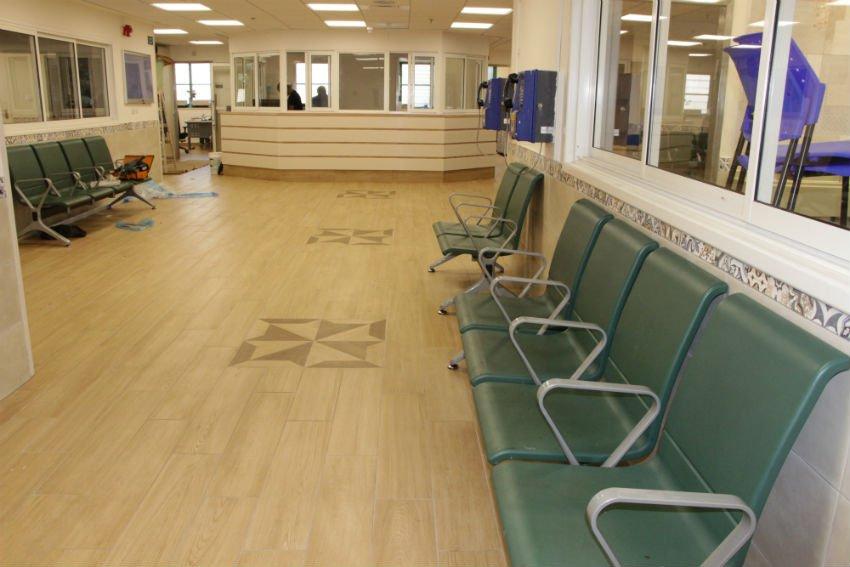 דלפק האחיות בבית החולים אברבנאל