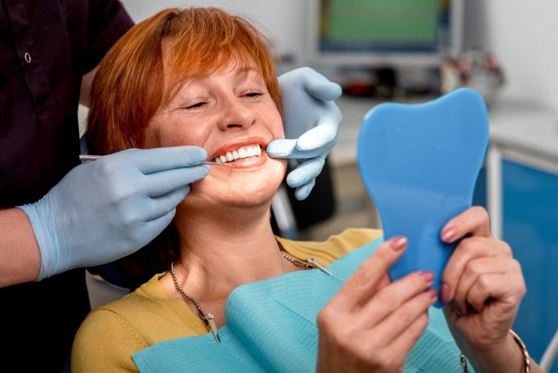 רופאי שיניים בבת ים (מאגר Shutterstock)