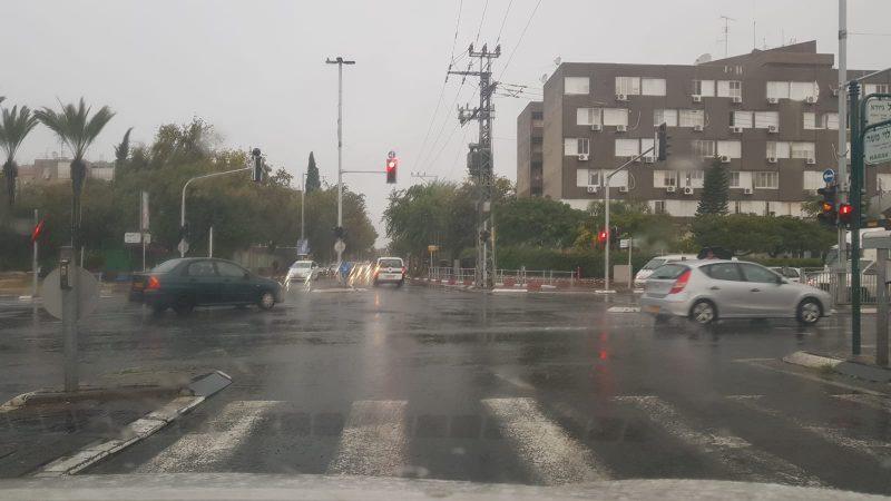 מזג אוויר גשום (צילום: אביחי חיים)
