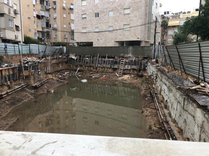 החפירות בבניין העצמאות 32 בבת ים