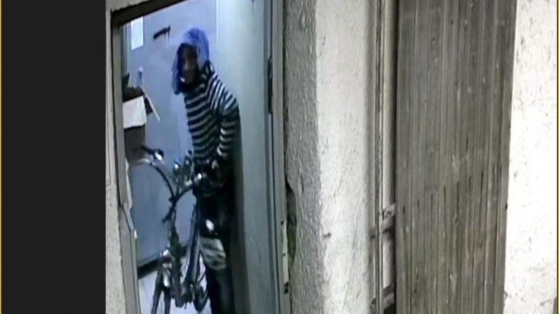 תיעוד ממצלמת האבטחה של גניבת אופניים ממתחם ישיבת מיישר