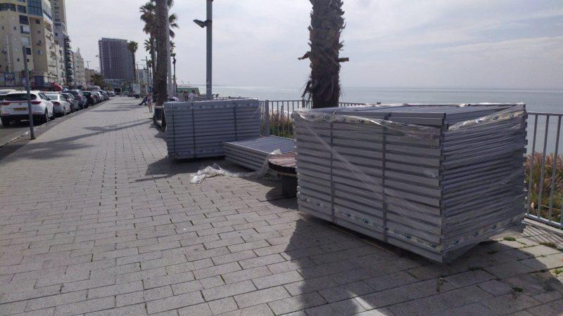 הגדר החדשה בטיילת בת ים