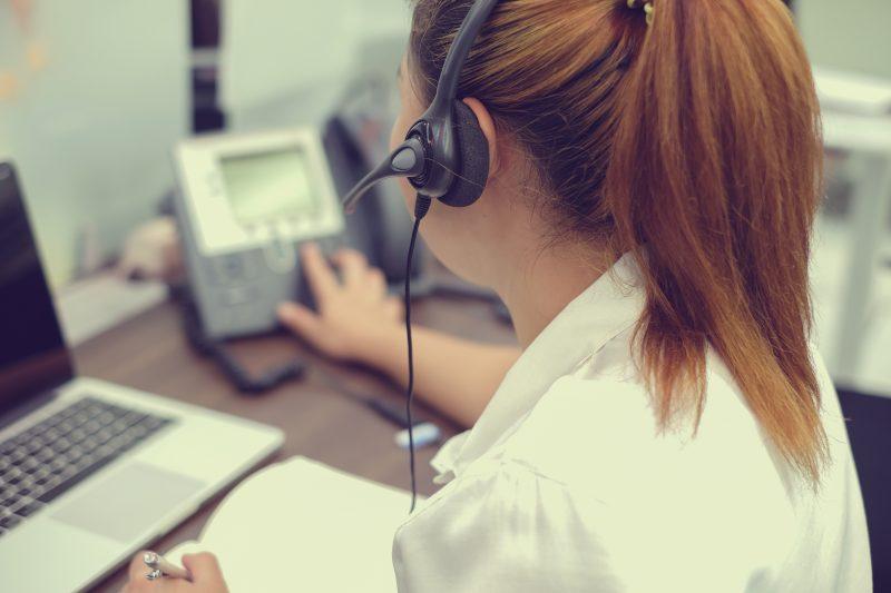 מוקדנית שירות לקוחות צילום אילוסטרציה: Levis/Shutterstock