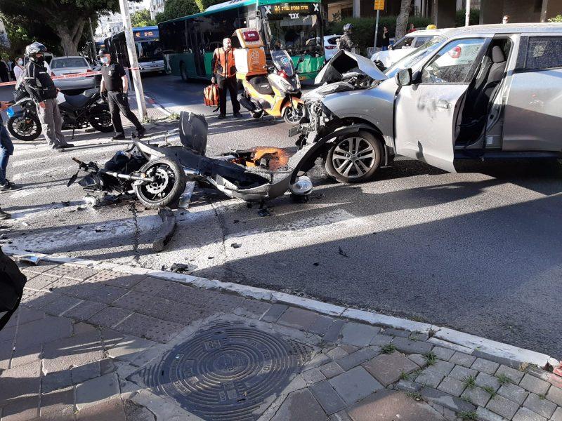 תאונת רכב ואופנוע