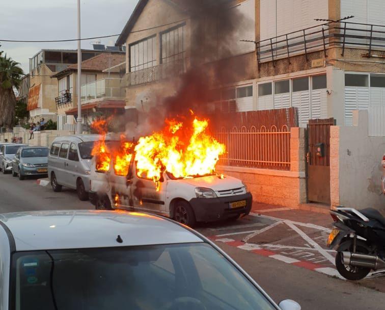 הרכב נשרף